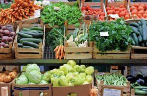 bright orange and green fresh produce display